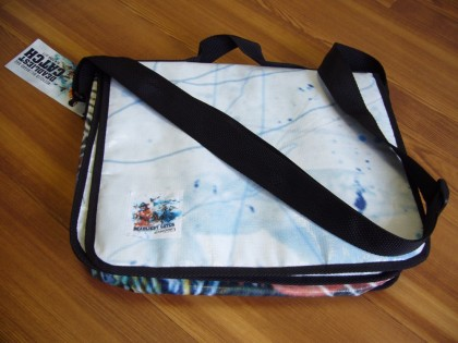 recycled-discovery-laptop-sleeve4